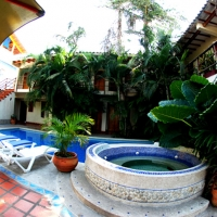 ECO-LODGE-JACUZZI_Y_PISCINA_DE_DIA - Copy